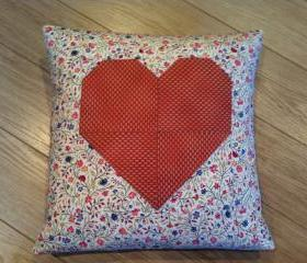 HEART CUSHION - QUILTED