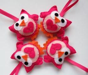 4 Valentine Owls, adorable hot pink and pink felt owls A145