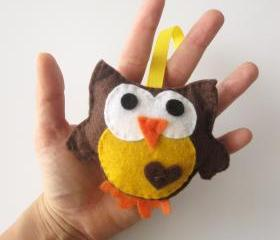 Owl Ornament, Owl Felt Toy - Adorable Mini Owl Felt Toy Brown and Yellow A148