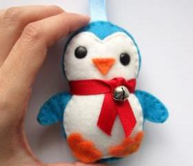 Adorable Felt Baby Penguin Plush Ornament A137