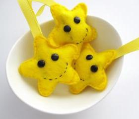 4 Felt Star Decorations, 4 cute Happy Face Yellow Felt Star Ornaments A130
