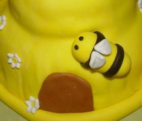 12 Fondant Bee & Flowers Cupcake Toppers
