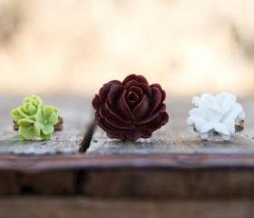 BrownRose Ring, White Lily Flower Ring, & Green Rose and Lily Cabochon Ring Vintage Style - Lemongrass