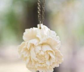 Cream-Ivory Peony Flower Necklace Vintage Style - Milk and Honey