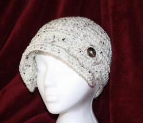 Button newsboy cap