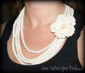 Crochet flower necklace - cotton