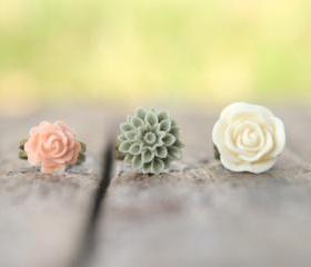Ivory, Moss, Pale Pink-Peach Adjustable Flower Ring Set Perfect For Bridesmaid Gifts - Dreamsicle