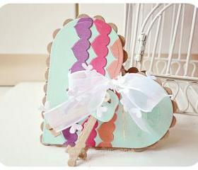 Heart border strip in Heart-shaped card
