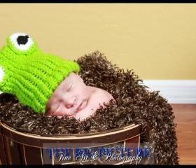Bright Green Newborn Frog hat