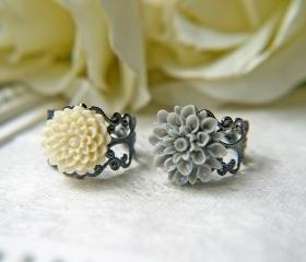 Sale. Black And White Gothic Flower Ring Set.