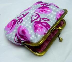 "6"" Fabby Purse - Pink Flowers on Grey Spots"