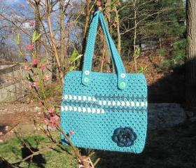 Crocheted tote/handbag - large - green/teal/white (P5)
