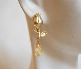 Beautiful Citrine briolette with tulip ear wires