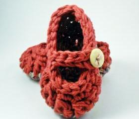 Red baby booties, mary jane style, crochet