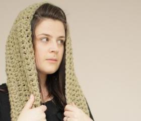 Chunky Crochet Infinity Loop Cowl in Olive Green