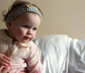 Girls Crochet Headband - for babies or girls in Grey/Gray