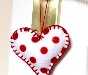 Polka Dot Hearts Red and white Home Decoration Country Cottage Set of 4 Felt