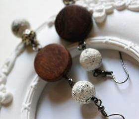 shabby chic and wood - earrings woodland