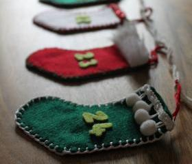 Advent Calendar Garland Bunting Stocking Christmas Decoration Red White Green Felt