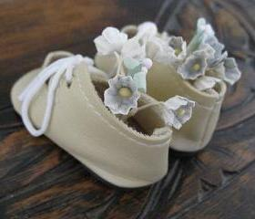 Sweet Vintage Doll Shoes Ivory