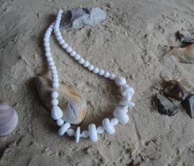 Retro White Necklace