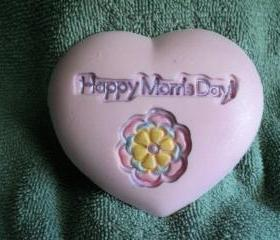 Happy Mom's Day Heart Soap - Pearberry Scent