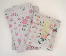 Set of 30 vintage flower 2 colors pink and coral 19 cm X13cm printed flat paper gift bags gift wrap