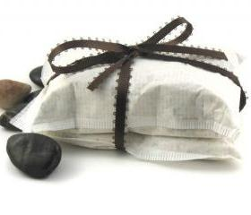Mint Thyme Oatmeal and Goats Milk Bath Bag 2 bags