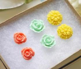 Sale. Colorful Flower Post Earrings Set. Jewelry Set