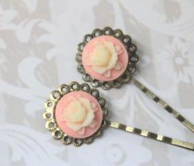Vintage style bobby pin pink white hair accessories flora pin