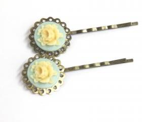 Vintage style bobby pin green yellow