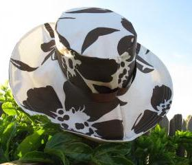 Wide Brim Sun Hat in Brown & White Floral Print