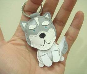 Etana the Siberian Husky leather keychain ( Grey )