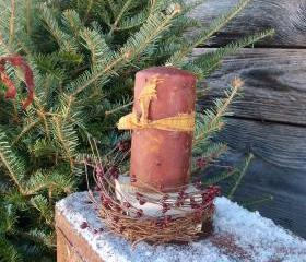"Primitive Candle Pedestal - Burgundy Pip Berry Candle Ring - Rustic Apple Cinnamon Scented 6"" Pillar with Mustard Homespun"