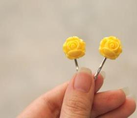 Yellow hair pin (2) Par Un beau jour ensolielle