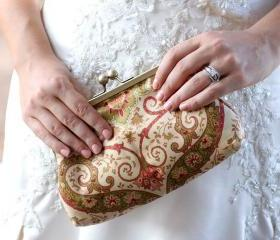 Clutch Frame Kisslock Purse Lined in Silk in a Damask Print Purse