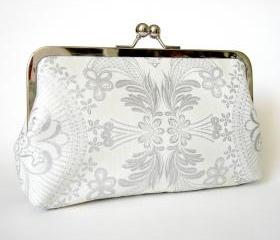 Kisslock Clutch Frame Silk Lined Silver and White Lace Purse