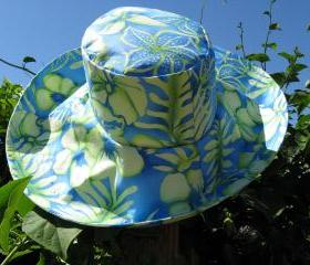 Wide Brim Sunhat in Blue Green Floral Print