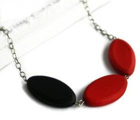 Chunky bead necklace. Black and red necklace with wood beads. Perfect summer fashion. Ready to ship.