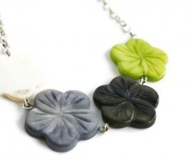 Chunky necklace, Hawaiian flowers in lime green, gray, black and white lake shells beads. Ready to ship.