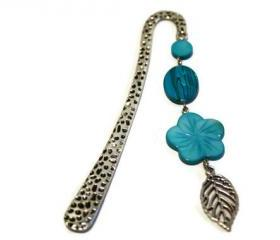 Beaded bookmark. Perfect gift for readers, teachers and any book lover. Turquoise blue shell beads. Ready to ship.