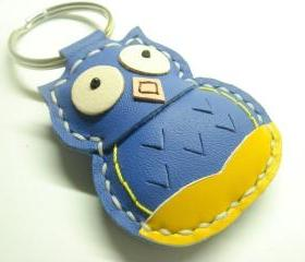 Fiona the Owl Leather Keychain ( Blue )