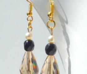 Vintage vibe drop earrings