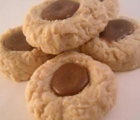 6 Peanut Butter Thumb Print Cookies with a Chocolate Center Candle Tart Melts Soy Wax Wickless Candles