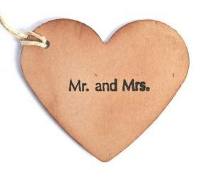 100 Wedding Wish Tags . Wedding wish tree tags . Mr and Mrs . Couple in love favors. hang tags . labels wedding decor . kraft heart