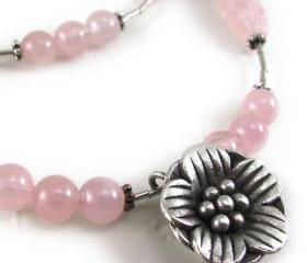 SAKURA sterling silver and rose quartz necklace with hill tribes floral pendant