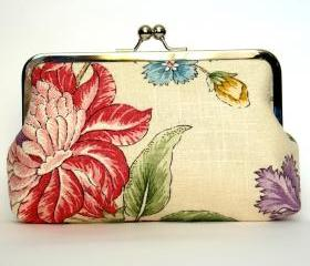 Clutch Frame Kisslock Purse Lined in Silk in a Linen Flower Print
