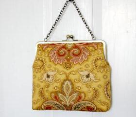 Silk Lined Red Floral Tote Frame Kisslock Clutch