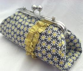 Clutch Purse- Daisy Dot