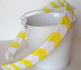 Sunshine Chevron Headband: half inch wide woven headband with white and sunshine